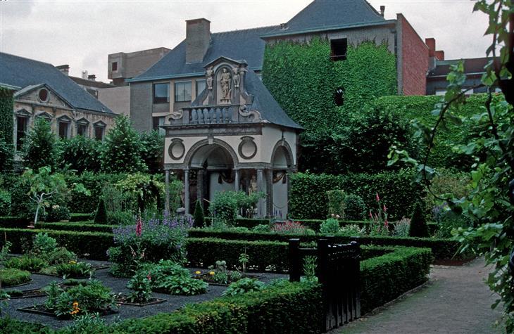 אטרקציות באנטוורפן: מוזיאון בית רובנס מבחוץ