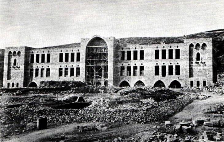 תמונות היסטוריות של חיפה: בניין הטכניון בשלבי הקמה; שנת 1913