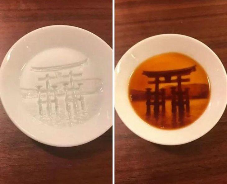 עיצובים מדליקים: צלוחית לרוטב סויה שכשיש בתוכה סויה, נגלית תמונה של שער יפני