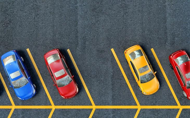מדריך לחניה עם המכונית: מכוניות חונות