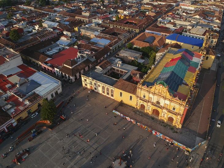 יעדים במקסיקו: מרכז סן קריסובל דה לאס קסאס מלמעלה
