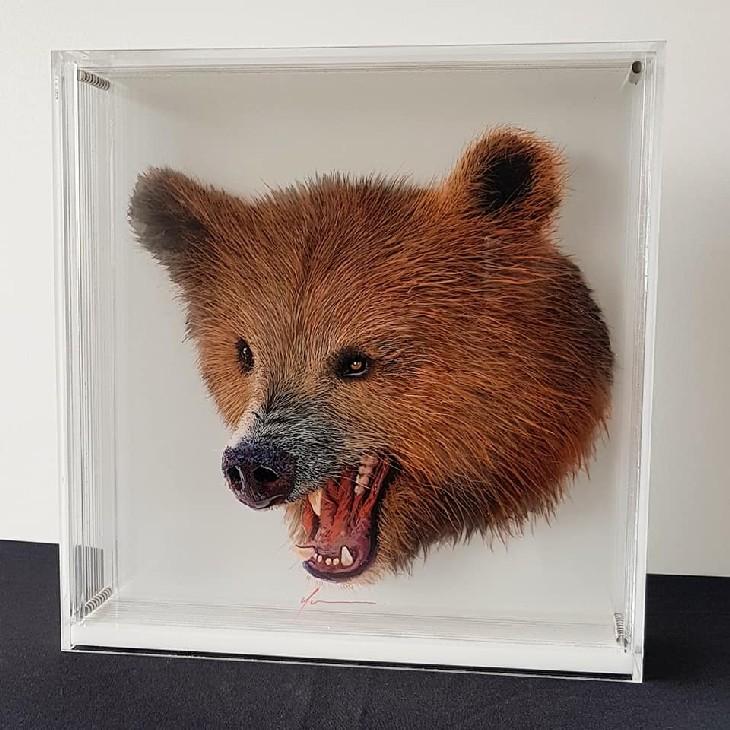 ציורי בעלי חיים בתלת מימד: ציור בתלת מימד של דוב מרוגז