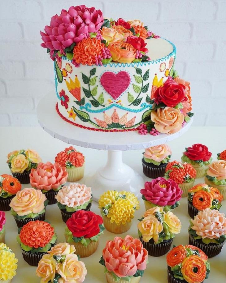 עוגות שנראות עשויות תחרה