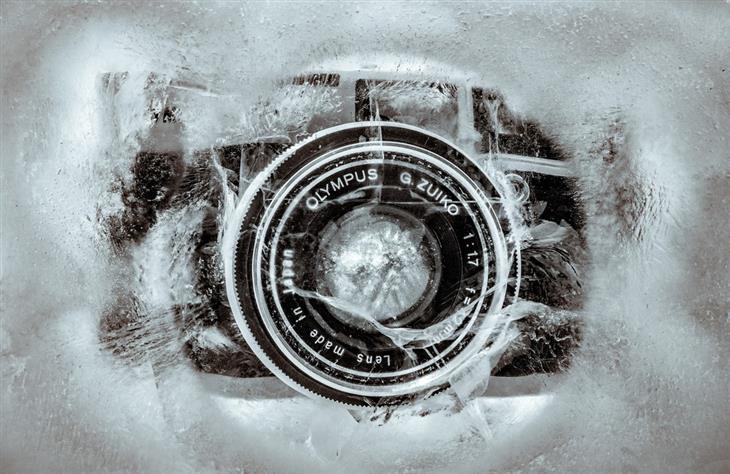 תמונות של אהד פרל: מצלמה בתוך קוביית קרח