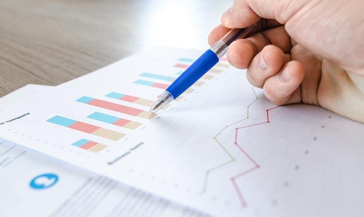 ניהול תקציב בחגים: בדיקת גרף על נייר