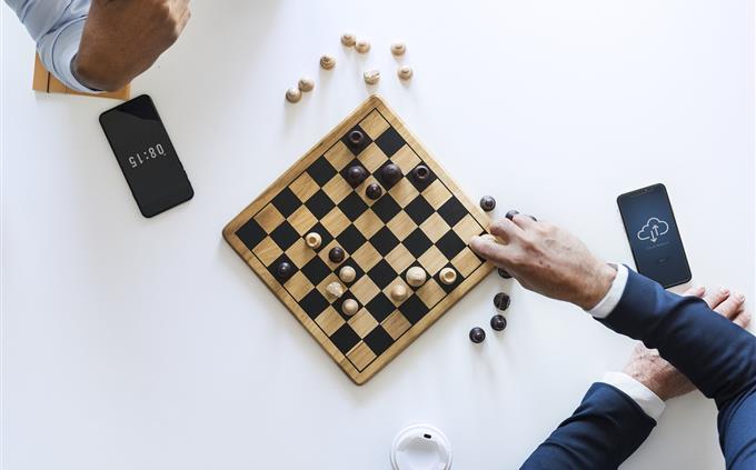 מבחן זיכרון: אנשים משחקים שחמט