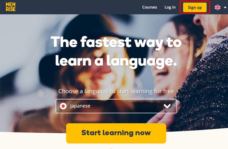 """שירות לימוד שפות Memrise: דף הבית של השירות וסימון של כפתור """"הירשם"""""""