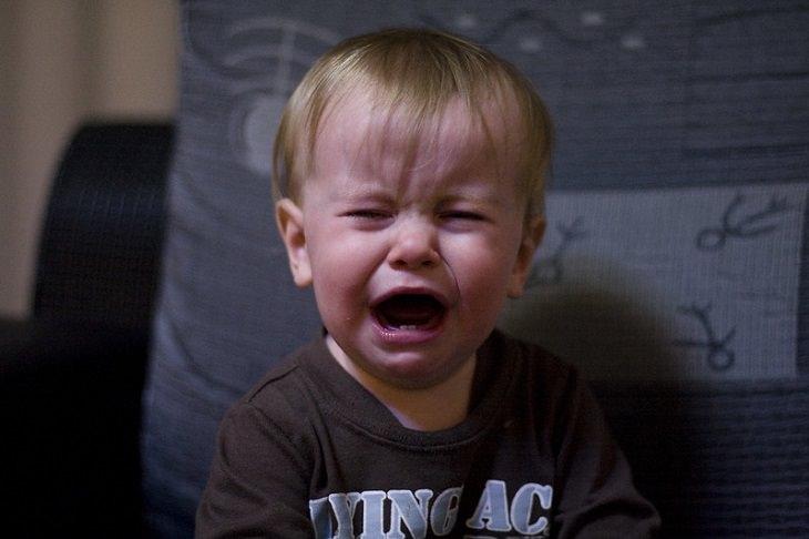 התנהגויות ילדים: פעוט בוכה