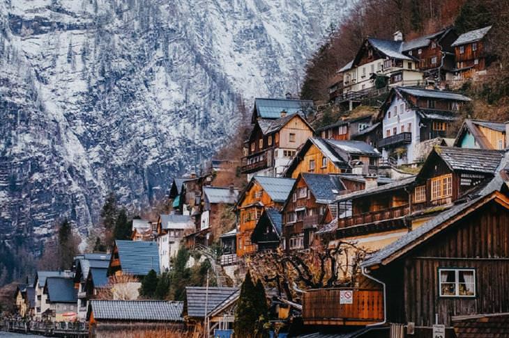 תמונות של האלשטאט ועובדות על המקום: בתים שבנויים על הר