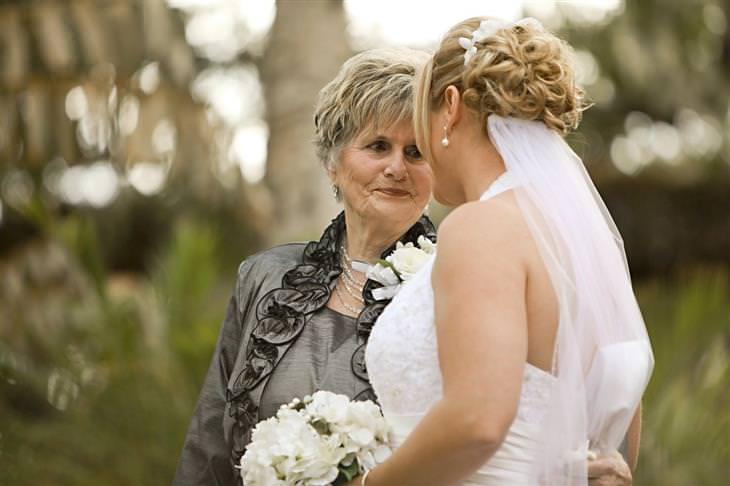 איך להתמודד עם אשתו של הבן: אישה מבוגרת וכלה