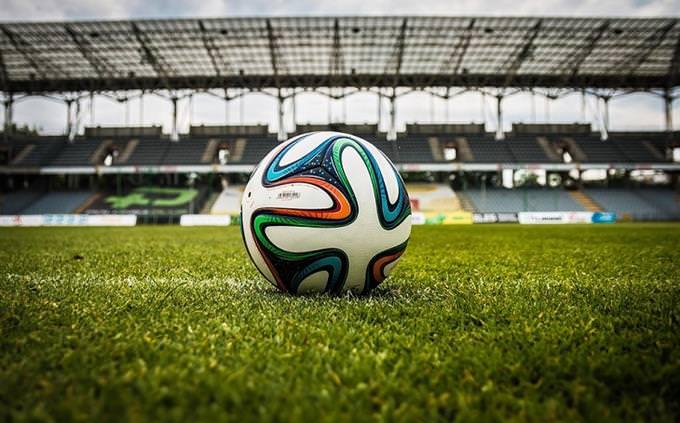 מבחן זיהוי אישיות: מגרש כדורגל