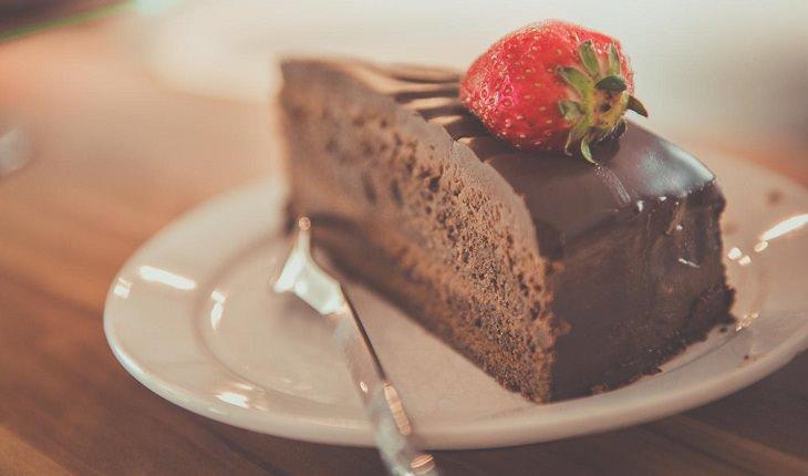 סודות האושר של יורם יובל: עוגת שוקולד