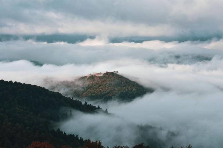 נופי סתיו ברכס הרי הקרפטים האוקראינים