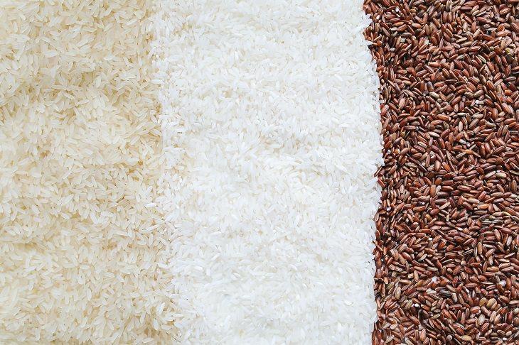 מוצרי מזון שמותר ושאסור לשטוף: גרגרי אורז מ-3 סוגים וצבעים