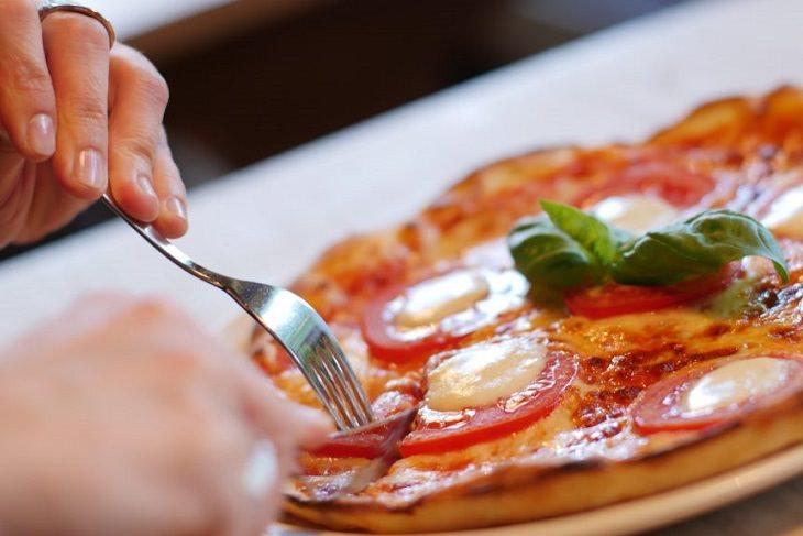 טעויות בישול והכנת מזון מסוכנות: פיצה