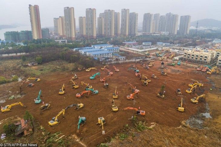 בית חולים סיני: דחפורים וטרקטורים מכינים את השטח לבניית בית החולים