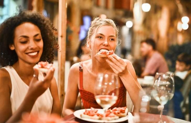 מומחה מסביר על סוכר ותחליפי סוכר: נשים אוכלות