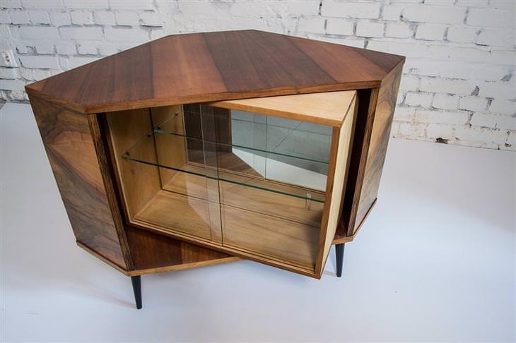 מידע על עץ ברהיטים: שידה מתוחכמת מעץ