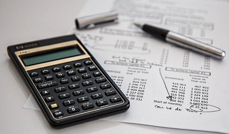 ניכיון שיקים לעסקים: חישובי תזרים מזומנים