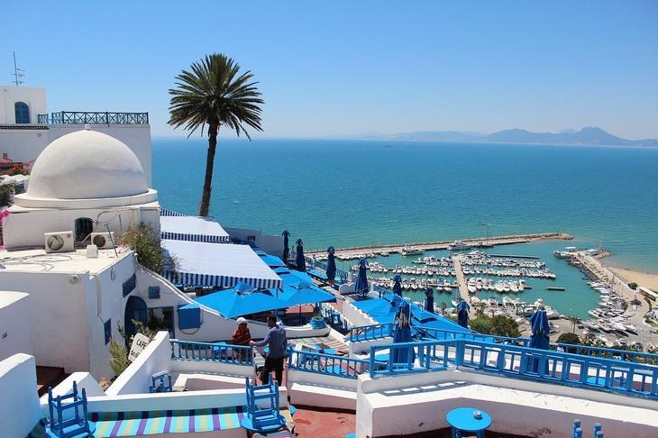 מדינות מומלצות לטיול באפריקה: נוף לים בתוניסיה