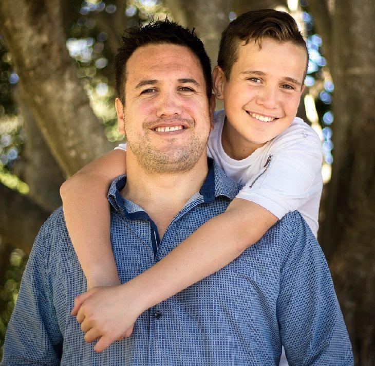 התנהגות מתבגרים: אב ובנו