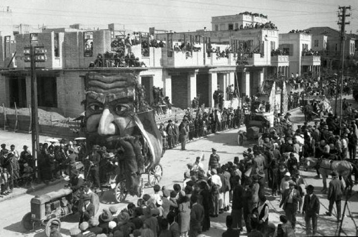 תמונות נוסטלגיות מפורים: מיצג של מרדכי היהודי בעדלאידע באלנבי בתל אביב, 1929