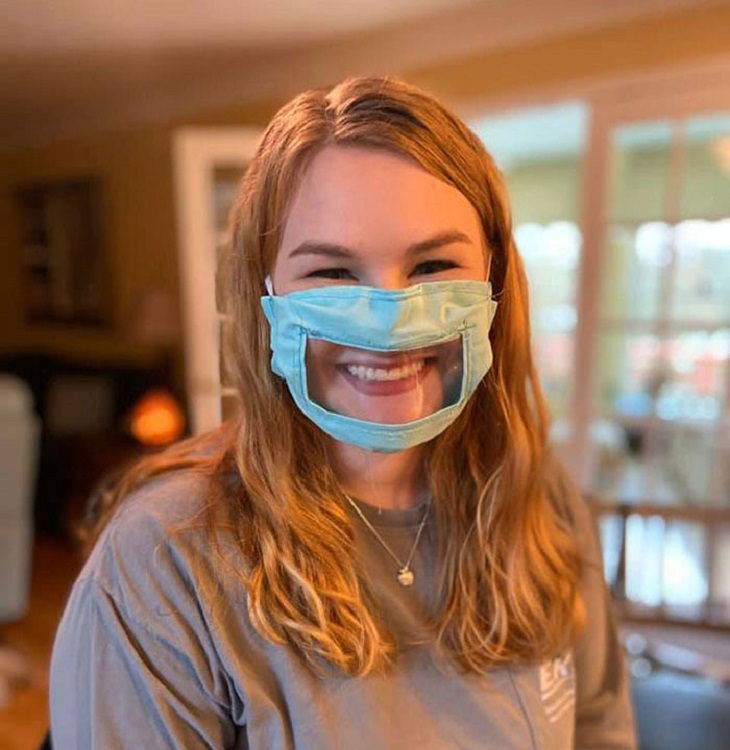 מסכות פנים מעוצבות: מסכת פנים שמאפשרת לראות את השפתיים