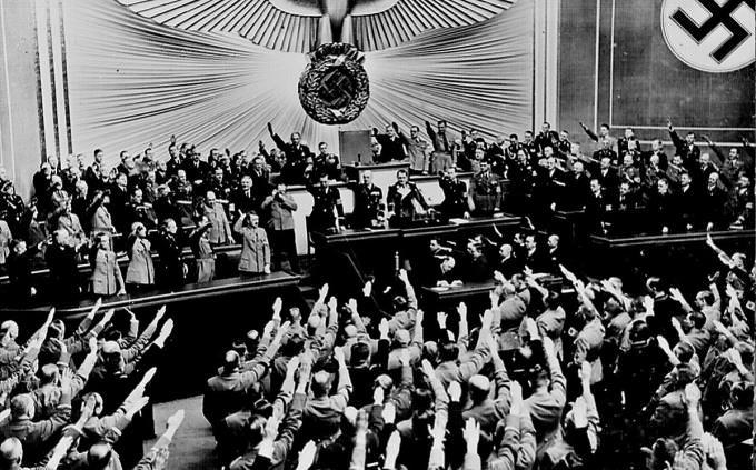מיתוסים על השואה: התקהלות של נאצים