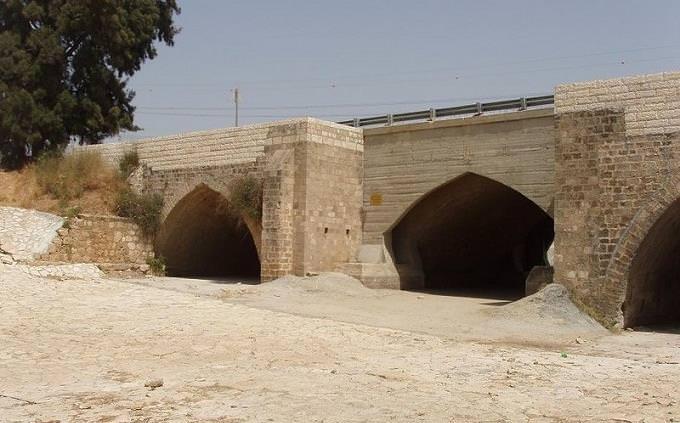 טריוויה על מורשת קרב: גשר עד הלום