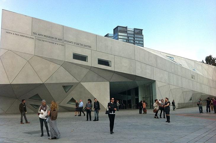 סיורים וירטואליים במוזיאונים בארץ: חזית בניין מוזיאון תל אביב לאמנות
