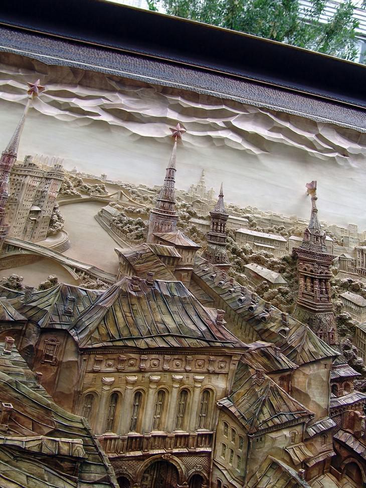 ציורים באמצעות פיסול עץ: עיר עתיקה