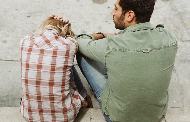 התמודדות עם התעללות רגשית בזוגיות: זוג בריב