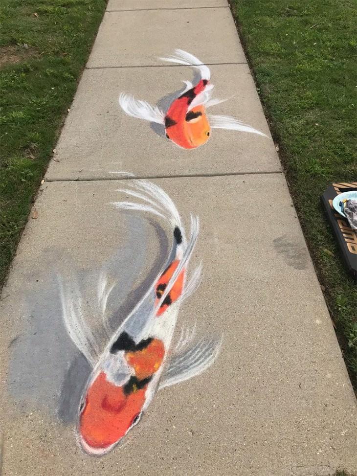 ציורי גיר של אימא ובת: דגים