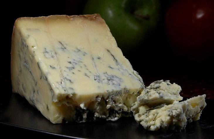 סוגי גבינות בריאות: גבינה כחולה