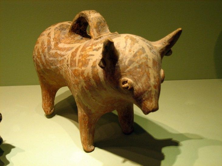 יעדים מומלצים באתונה: פסלון במוזיאון גולנדריס לאמנות קיקלאדית