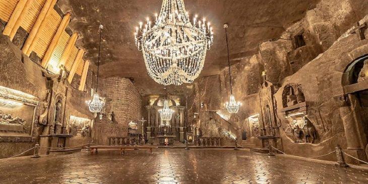 מכרות מלח בווייליצ'קה שבפולין: אולם במוזיאון