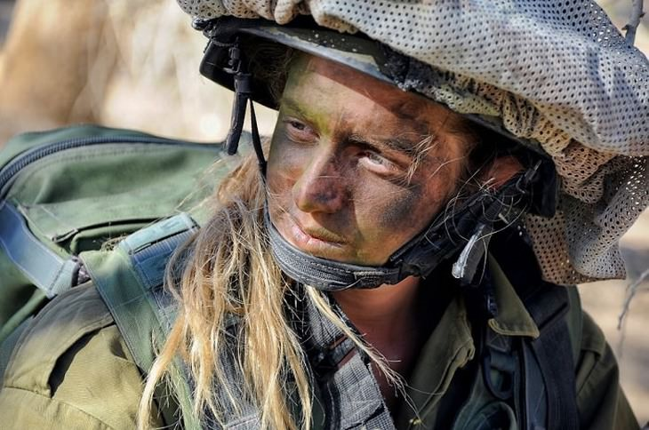 מידע על ביטוח לאומי לחיילים משוחררים: חיילת