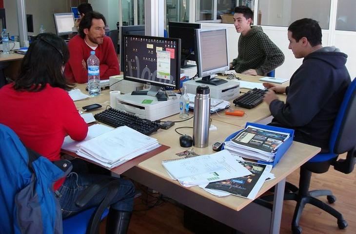 מידע על ביטוח לאומי לחיילים משוחררים: אנשים צעירים במשרד