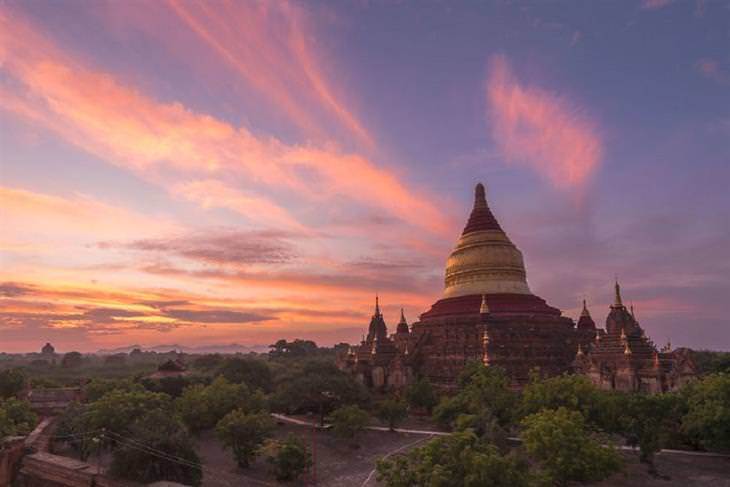 מקדשים מהעיר באגאן שבמיאנמר