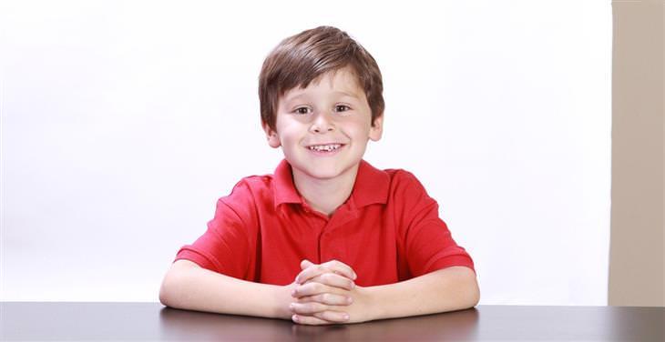 כישורי חיים חשובים לילדים: ילד מחייך
