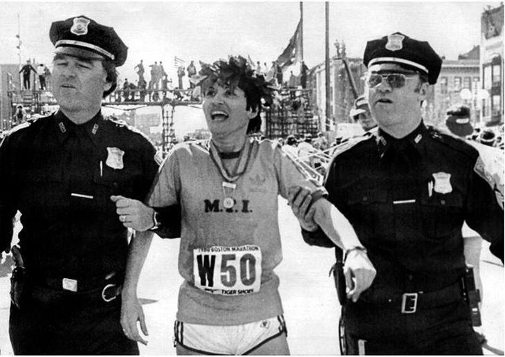 שערוריות ספורטיביות: רוזי רואיז נעצרת על ידי שוטרים