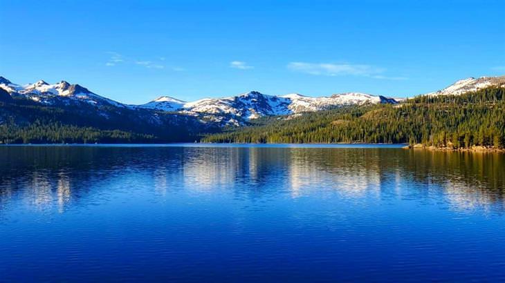 """תמונות של טבע ונוף מדהים: אגם קייפלס, קליפורניה, ארה""""ב"""