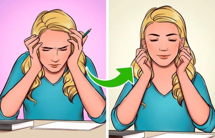 עיסוי אוזניים: משמאל, בחורה שמשעינה את הראש על ידיה כי כואב לה הראש, משמאל, בחורה שעושה עיסוי באוזניים ומחייכת
