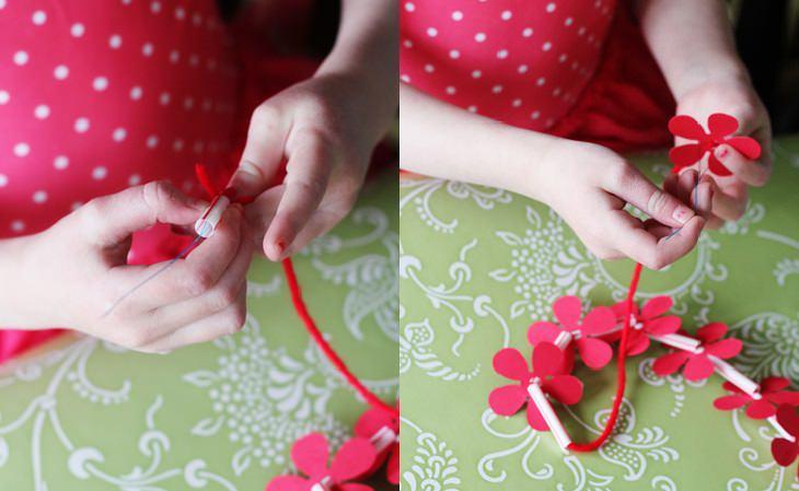 עבודות יצירה קיציות לילדים: השחלת השרשרת בעזרת חוט דק