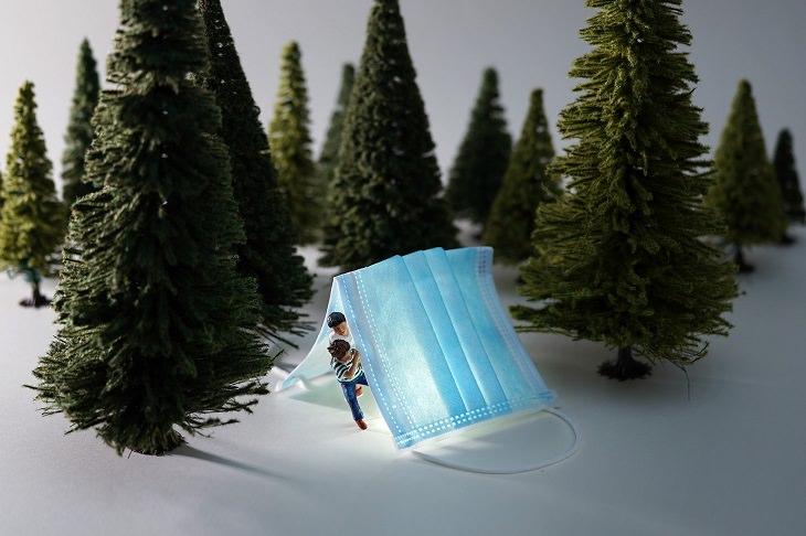 יצירות מיניאטוריות: מסכת פנים כאוהל ביער