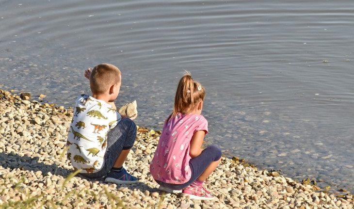 עצות הורות של פסיכולוגית רוסייה: בת ובת על שפת הים