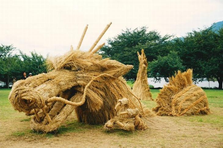 פסלי קש: דרקון