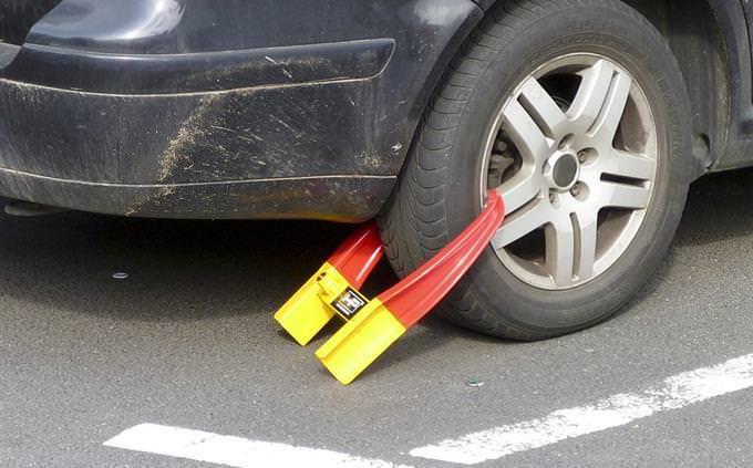 מנעול על גלגל של רכב