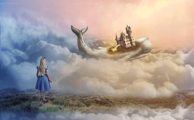 ילדה עומדת על אדמה מעל העננים, ובאופק היא רואה לווייתן עם טירה על גבו