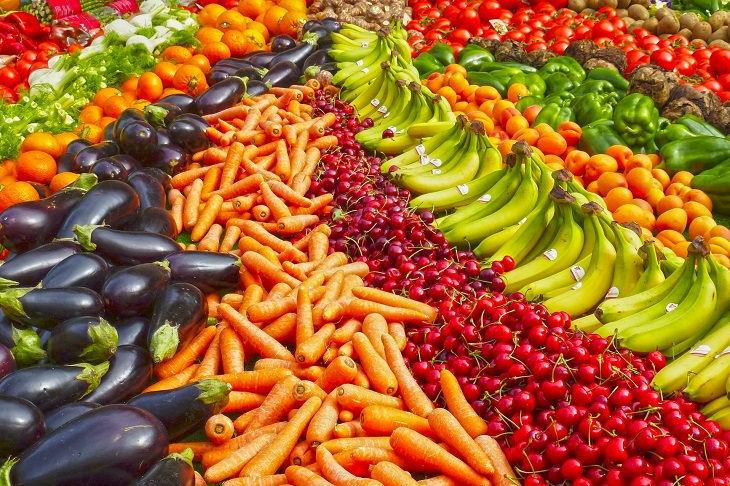 אחסון נכון של פירות וירקות: פירות וירקות מסוגים שונים